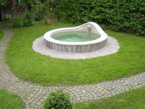 Brunnen aus Jura Bodenplatten