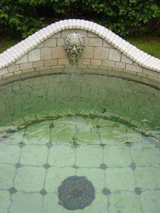 Brunnen Detail